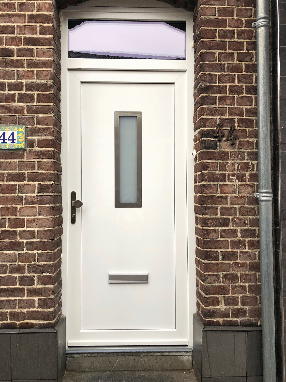 Witte deur / Kunststof. Merk: ...